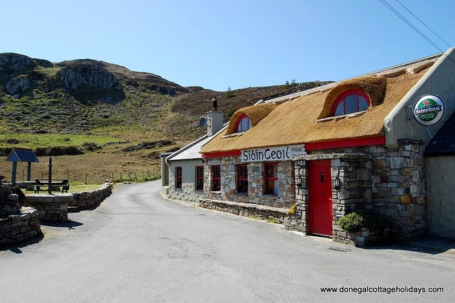 The Singing Pub - Atlantic Drive- Downings