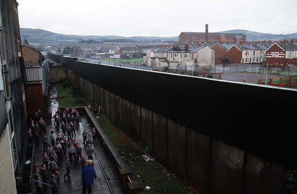 The-Peace-Wall-in-Belfast-001