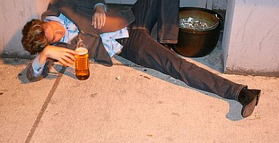 drunk-and-sleep-on-street