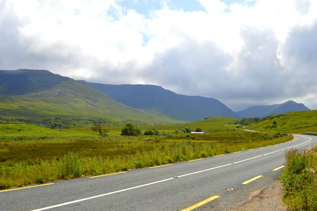 N59 towards Kylemore Abbey Gee