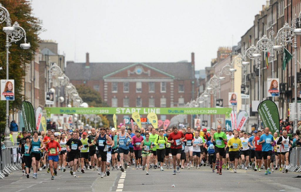 29 October 2012; A general view of the start of the Dublin Marathon 2012. Fitzwilliam Place, Dublin. Picture credit: Pat Murphy / SPORTSFILE *** NO REPRODUCTION FEE ***