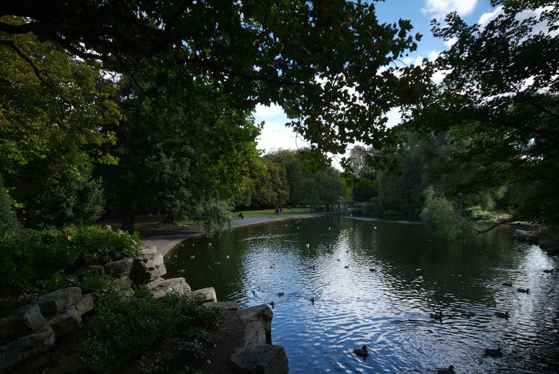 Located in the centre of busy Dublin, St. Stephen's Green is the ideal place to take a breather.