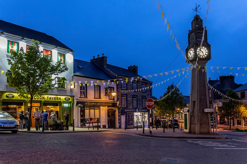 Westport is another of the towns that hosts some of the best pubs.