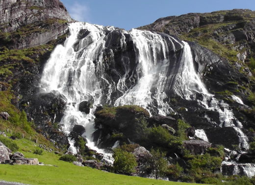 Gleninchaquin Waterfalls is truly beautiful.