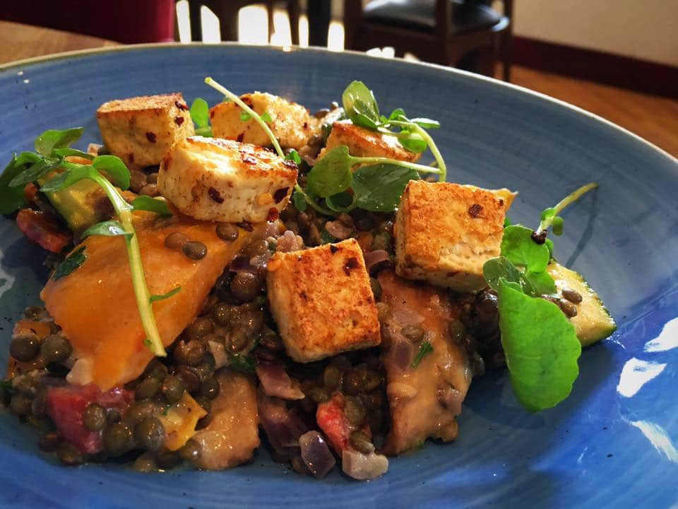 10 Amazing Vegetarianvegan Friendly Restaurants And Cafes