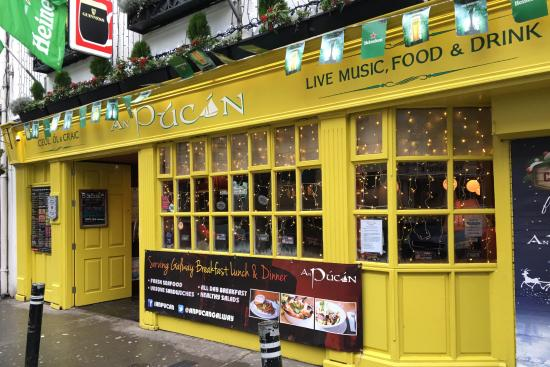An Pucan is one of the 5 best places to experience live Irish music in Galway city