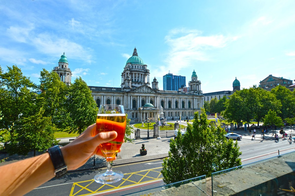 Daytime pints is one of 10 things that happen when the sun comes out in Ireland
