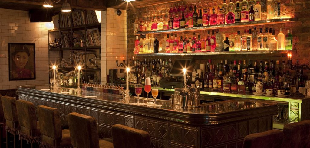 The Vintage Cocktail Club is one of the snazziest bars in Ireland, especially with its classy cocktails.