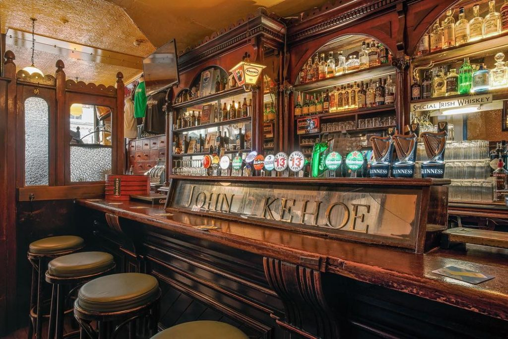 Enjoy a fireside pint at Kehoes in Dublin with your sweetheart