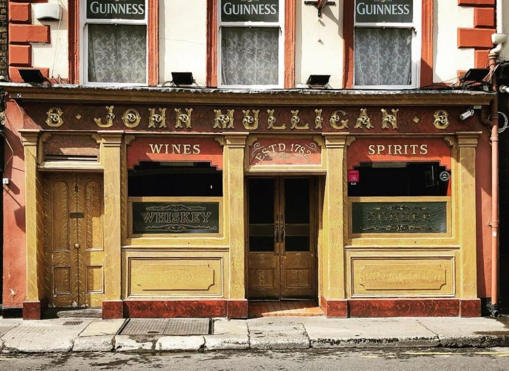 Mulligan's offers classic pub vibes in the heart of Dublin