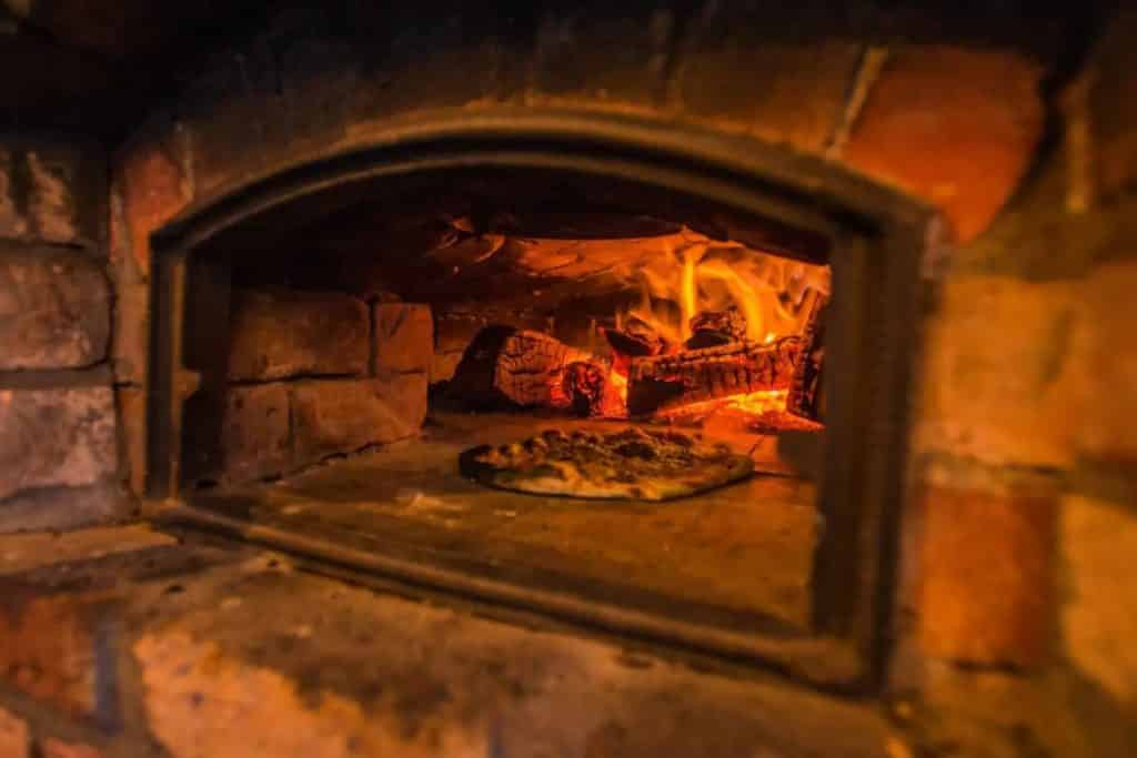 "You can rent a ""hobbit hut"" with a pizza oven in Mayo on Airbnb, and it's magical"