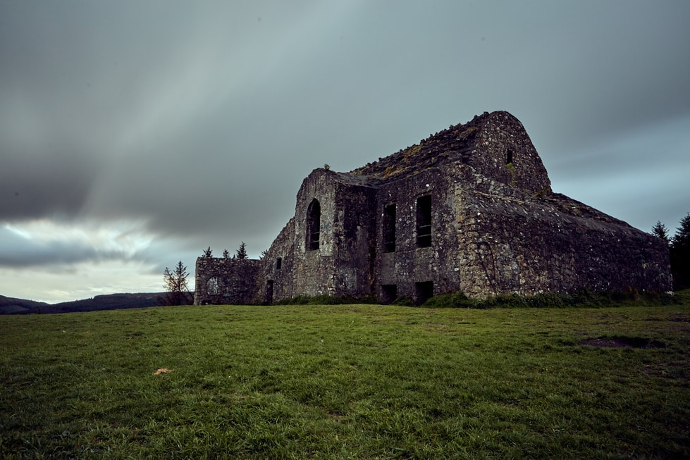 One of the top 5 spooky and mysterious ghost stories from Ireland took place at the Hellfire Club