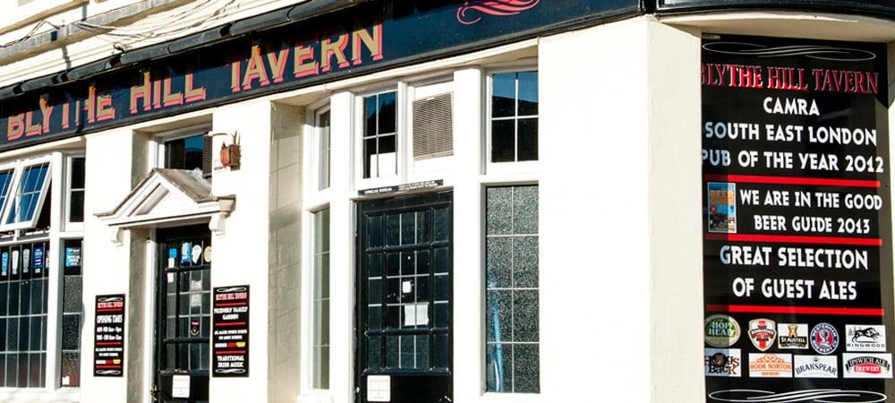 Blythe Hill Tavern is an Irish bar in London