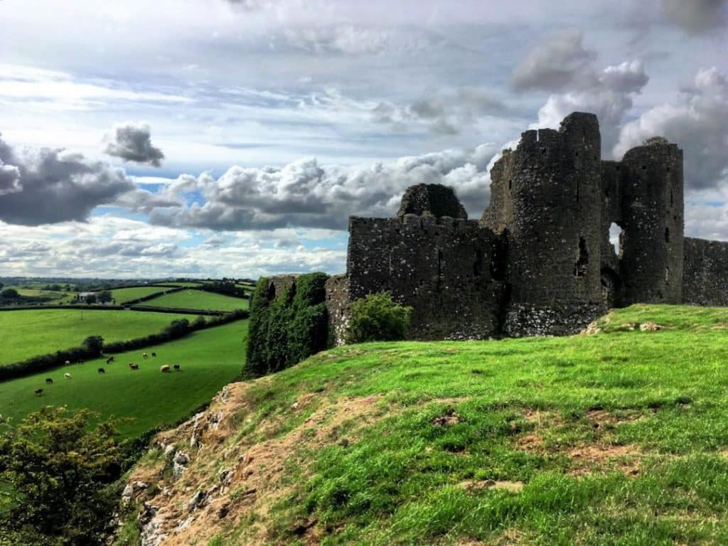 Castle Roche is one of the top 10 medieval ruins in Ireland
