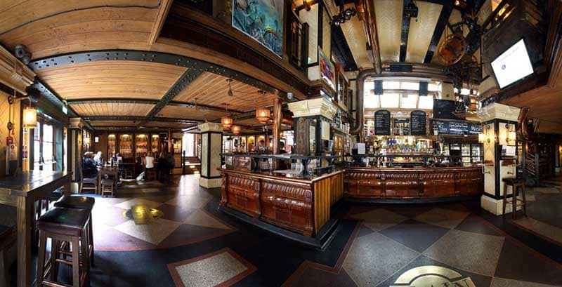 The Porterhouse is one of the 10 best Irish pubs in England