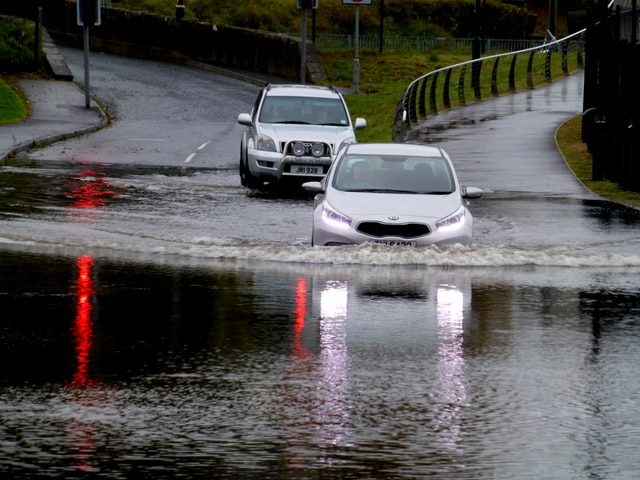 Climate change Ireland will cause flooding.