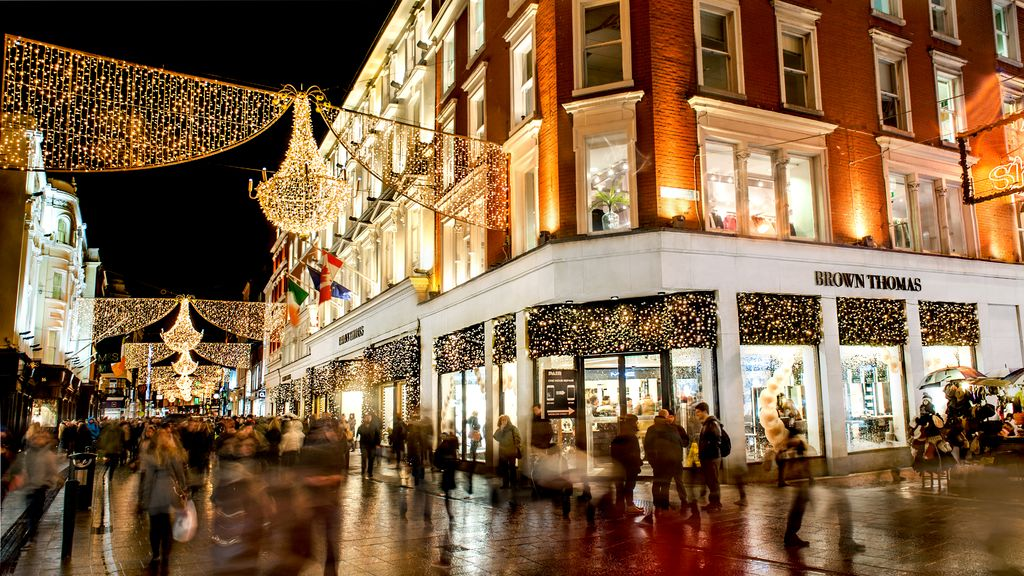 10 reasons to visit Ireland in the winter include shopping
