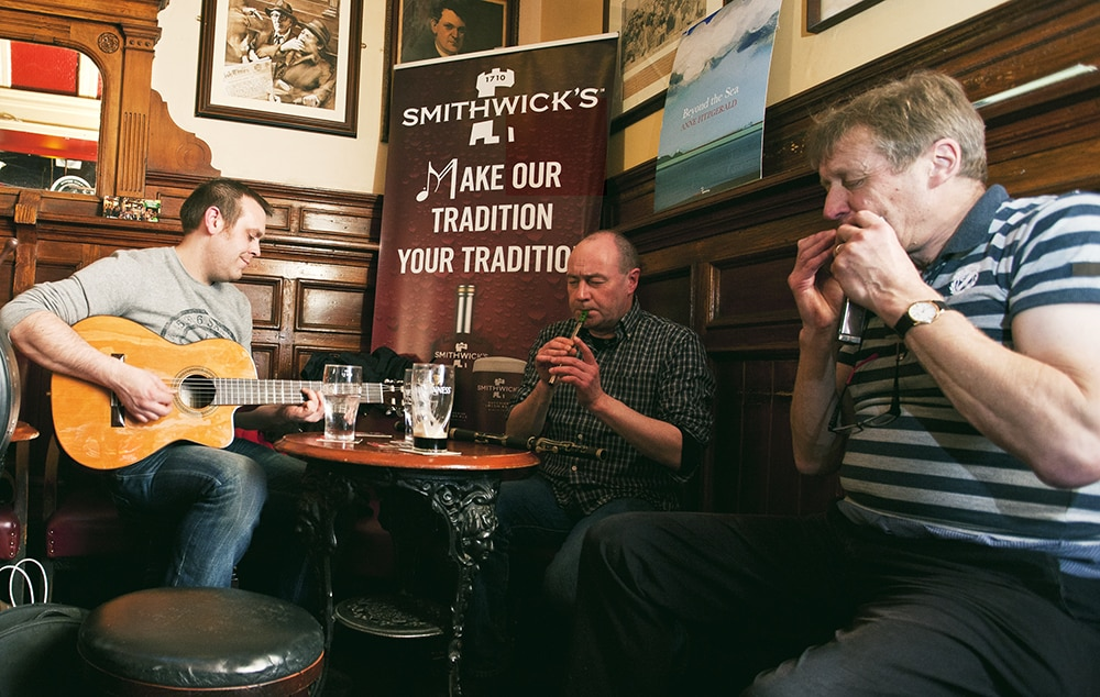 Reasons you should do 'the 12 pubs of Christmas' in Dublin include live music