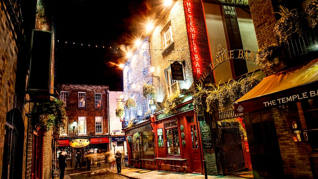 We have a list of the common 12 pubs rules you can add to spice up your night.