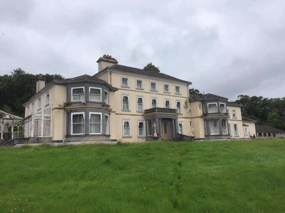 10 abandoned places in Ireland that will creep you out include Cahercon House