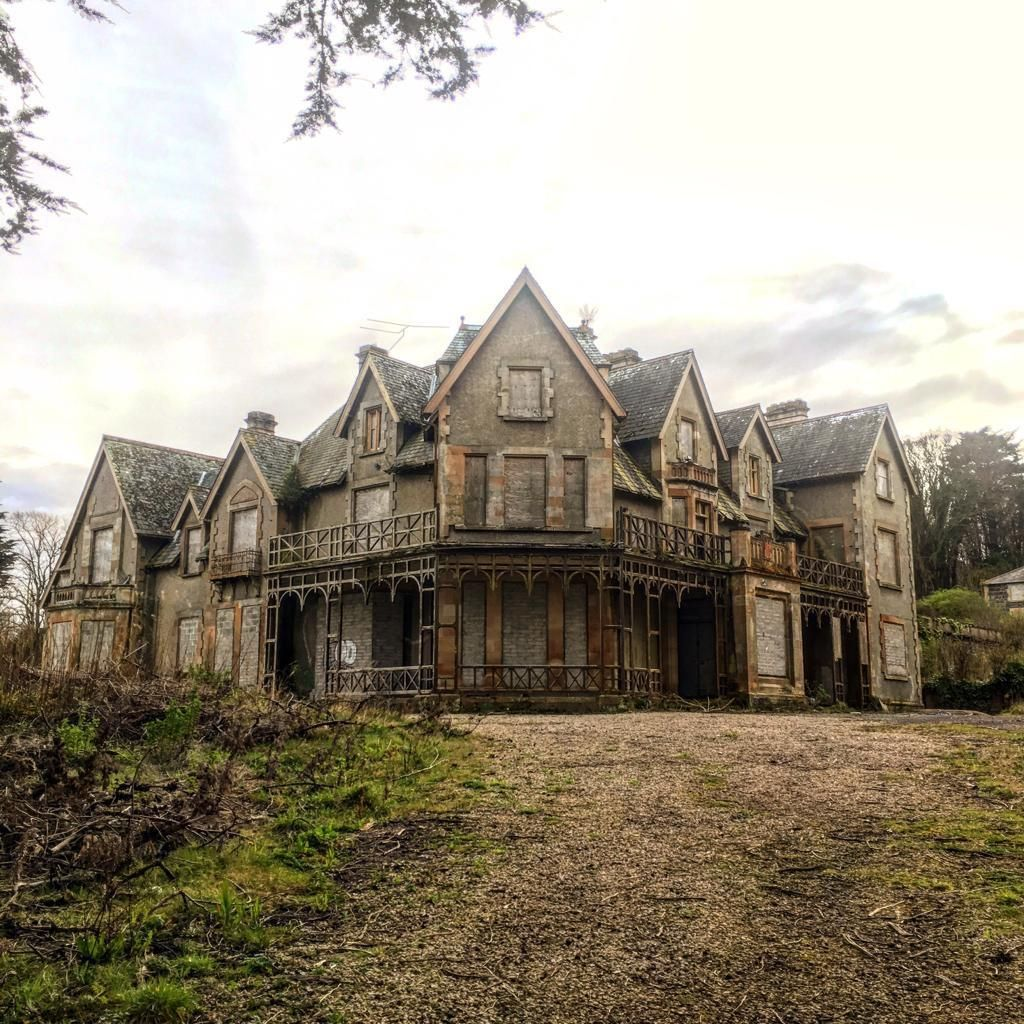 10 abandoned places in Ireland that will creep you out include Cairndhu House