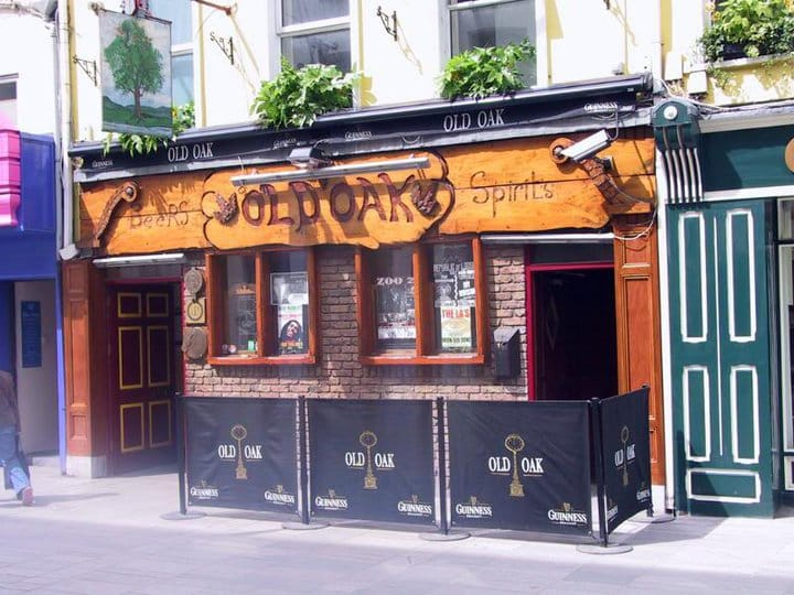 Old Oak is a pub located in Cork, Ireland