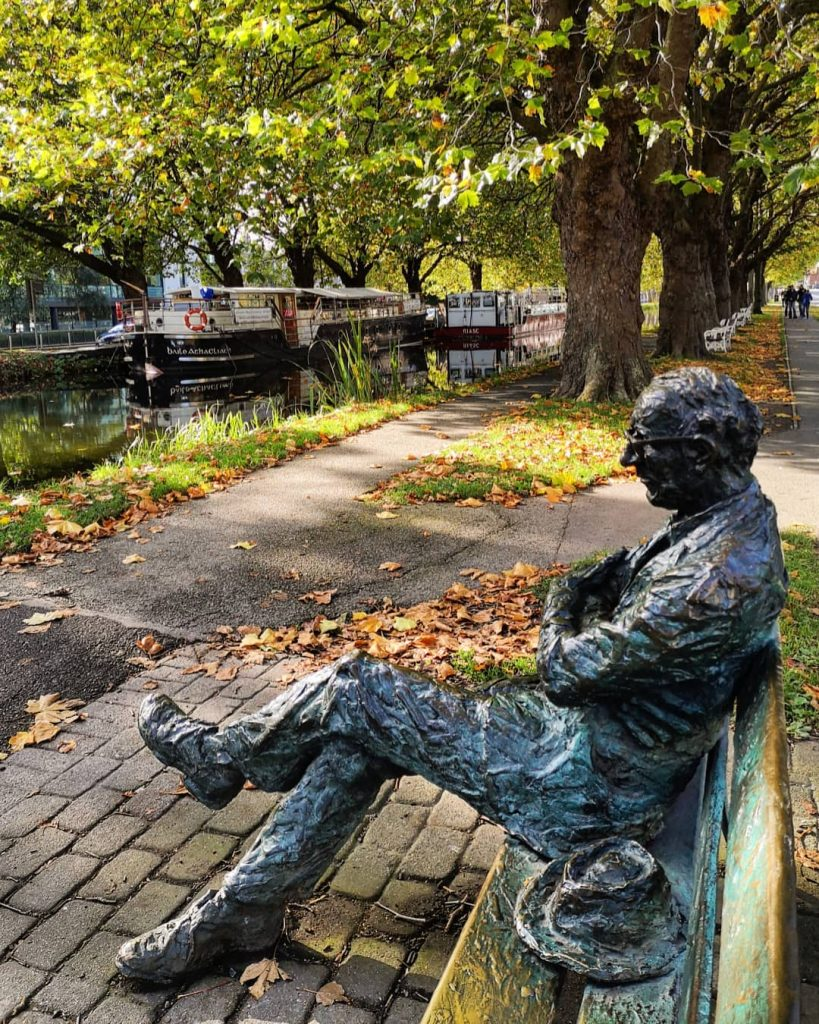 5 entertaining spots for people-watching in Dublin include the Patrick Kavanagh statue