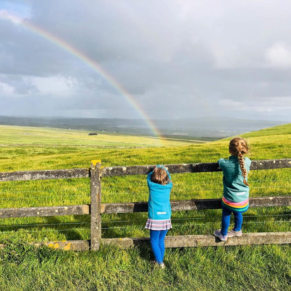 Leprechauns and rainbows are another of the top short Irish jokes for kids.