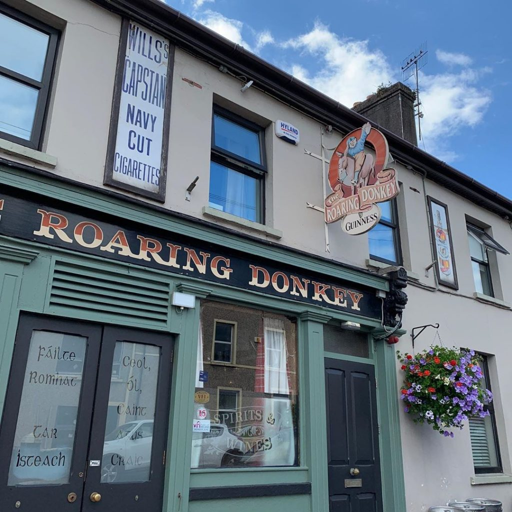 The 5 best pubs in Cobh include the Roaring Donkey