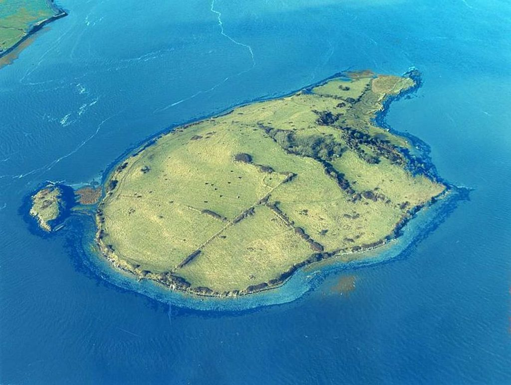 5 amazing islands for sale in Ireland right now include Shore Island