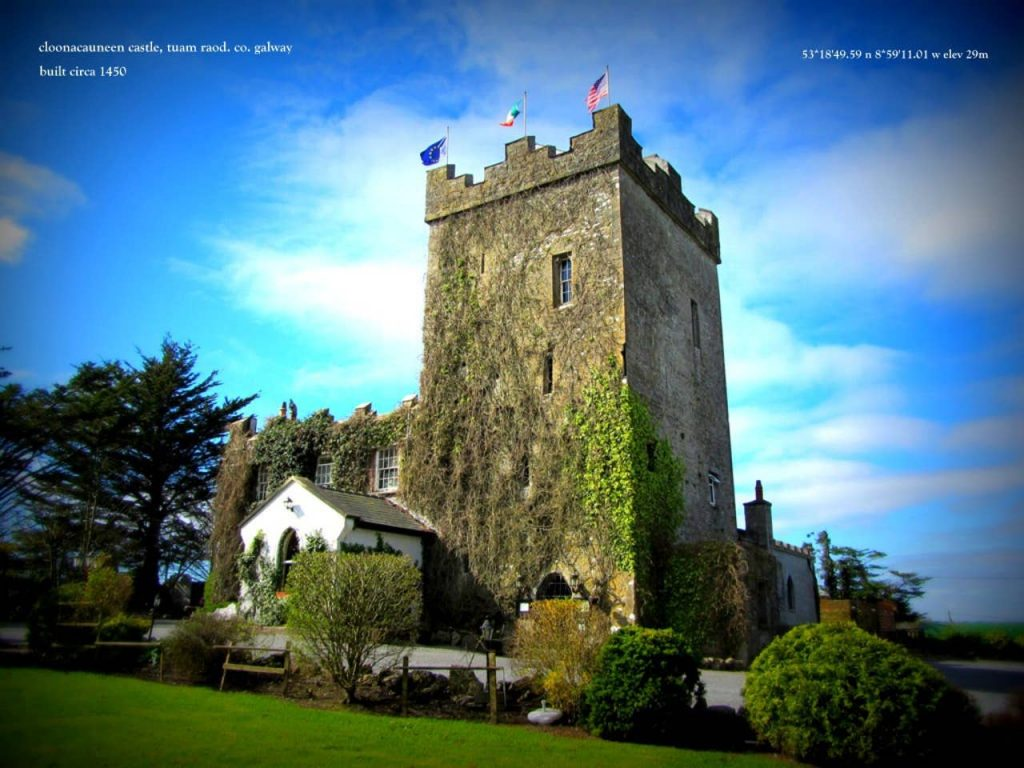 5 romantic Airbnbs in Ireland to stay in this Valentine's Day include Cloonacauneen Castle near Galway