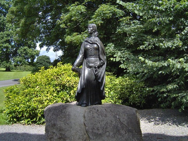 Gráinne Ní Mháille is immortallized in a statue at Westport House in County Mayo