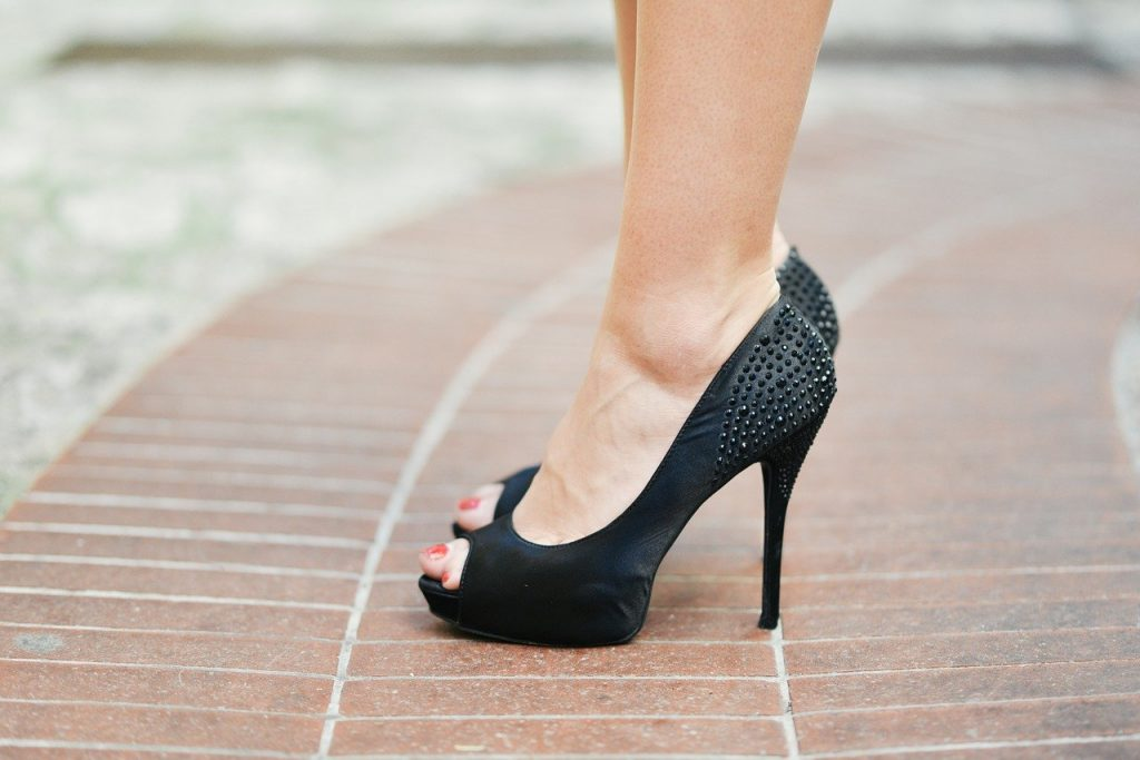 Our list of what NOT to wear when travelling around Ireland includes high heels