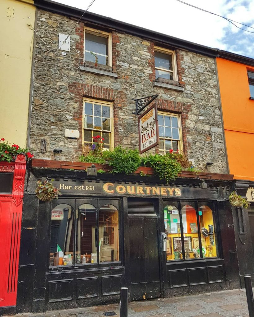 Courtney's Bar is great for traditional music, another of the best things to do in Killarney.