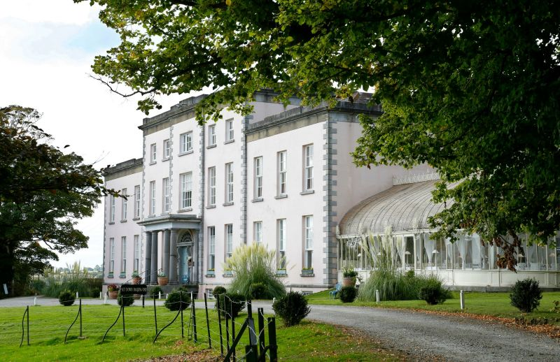 Looking one of the top wedding venues in Ireland? Longueville House is truly one of the best.