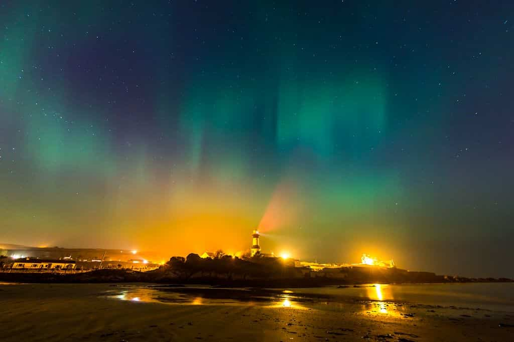 The northern lights is an amazing natural sight, truly remarkable.