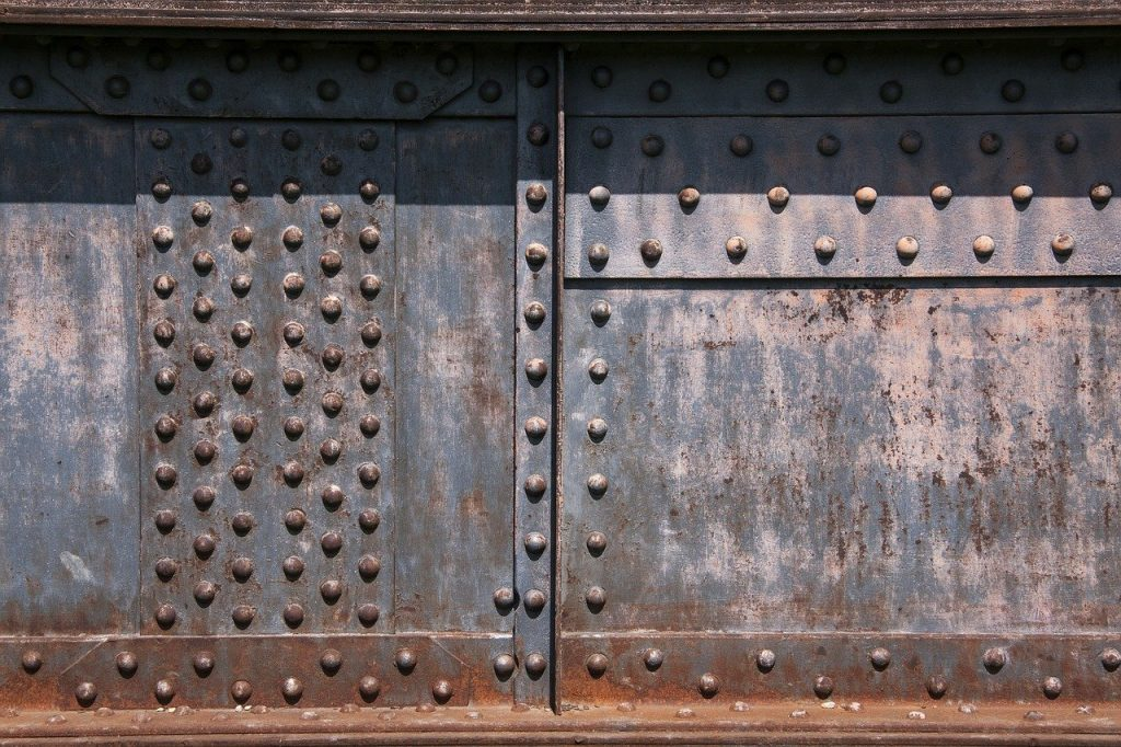 Rivets were handmade, making another of the top mistakes that caused the sinking of the Titanic.