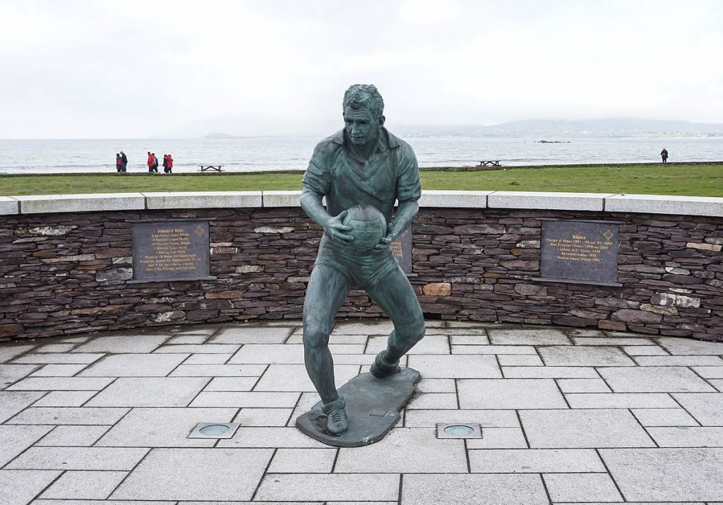 Mick O'Dwyer Statue (Waterville, Co. Kerry) – a man who took the throne in the Kerry Kingdom