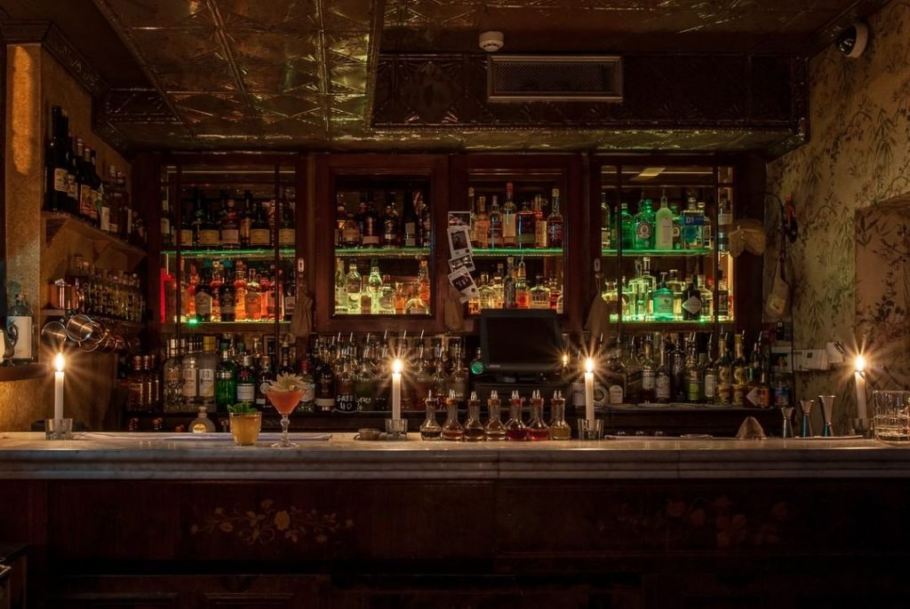 The Vintage Cocktail Club – top secret speakeasy in the city