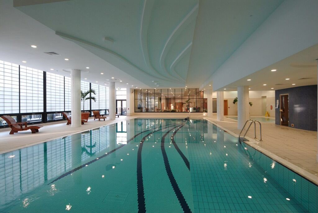 layton Whites Hotel, Wexford - a central hotel with a pool and beaches nearby