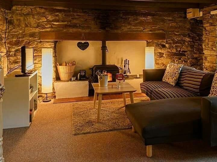 Cottages for Couples (Co. Cork) - a unique treehouse with a private hot tub