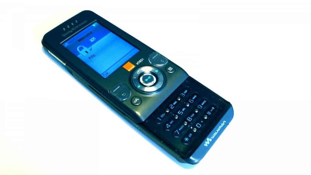 Decoy phones – trying to fool the bean an tí