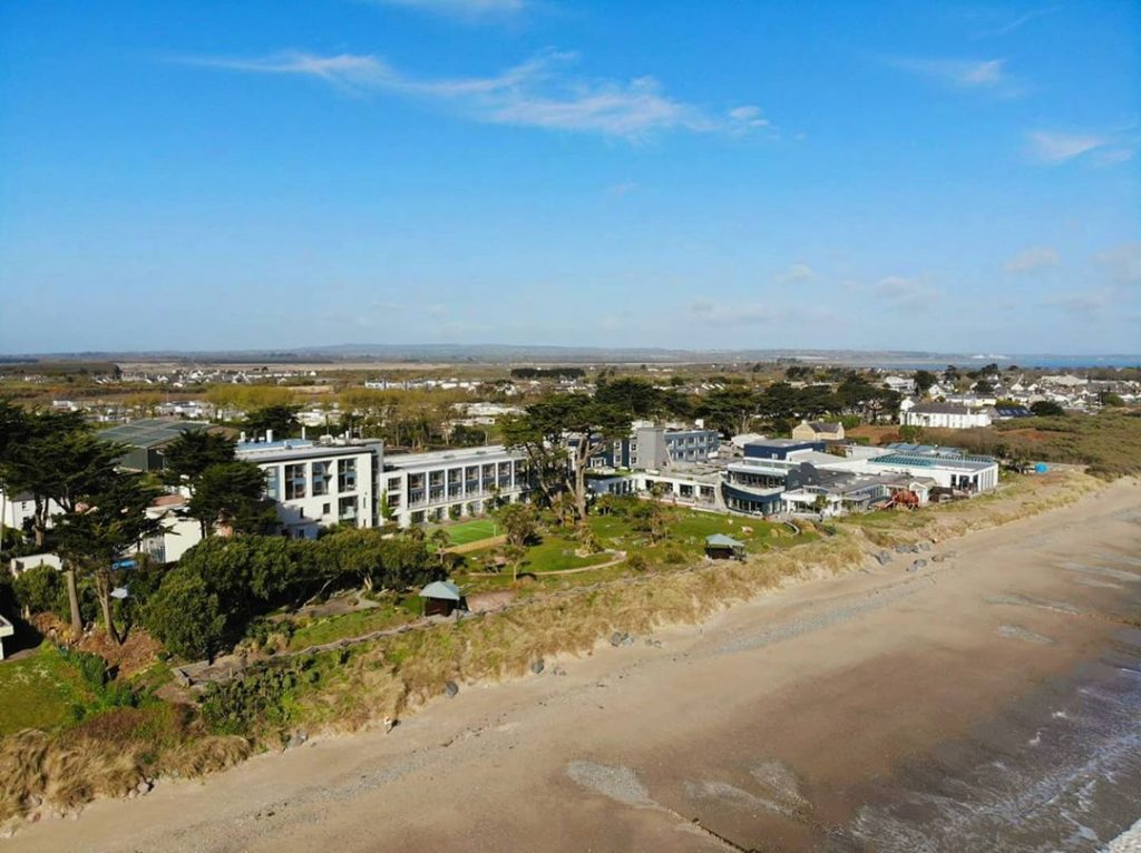 Kelly's Resort Hotel (Co. Wexford) – for five miles of sandy beaches