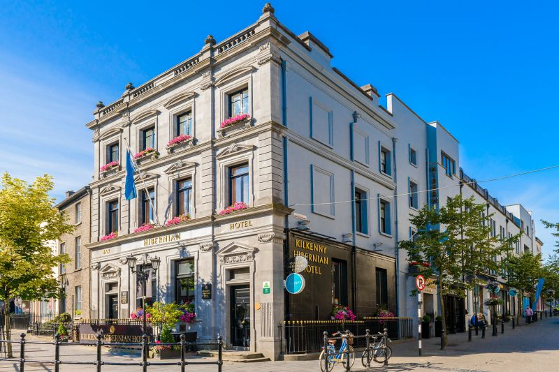 Kilkenny Hibernian Hotel - an award-winning design hotel surrounded by all the sights
