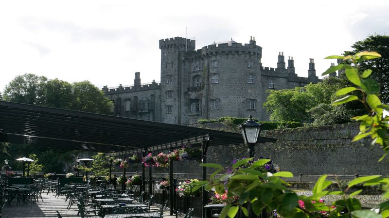 Kilkenny River Court Hotel - a quiet family retreat overlooking the city