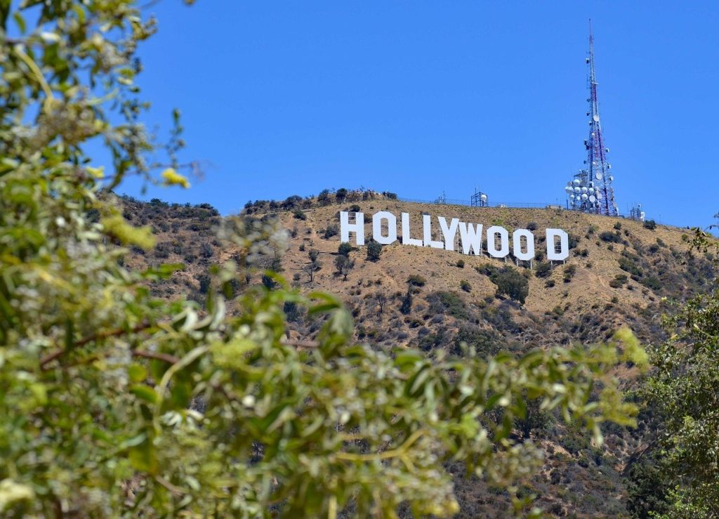 Wondering which has more things to do, Hollywood USA vs Holywood NI, Hollywood wins this one.
