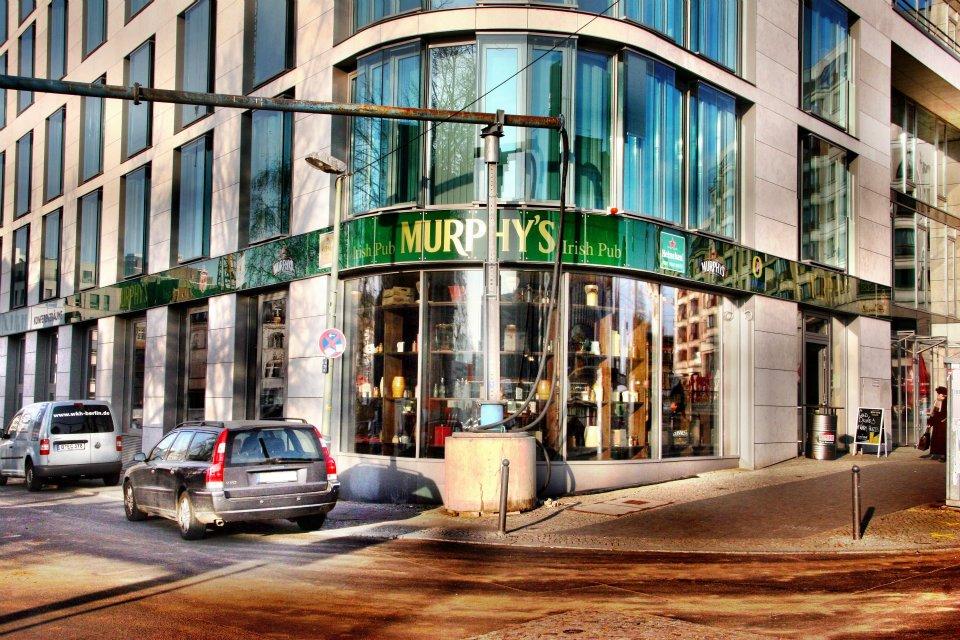 Murphy's is a buzzing Irish pub.