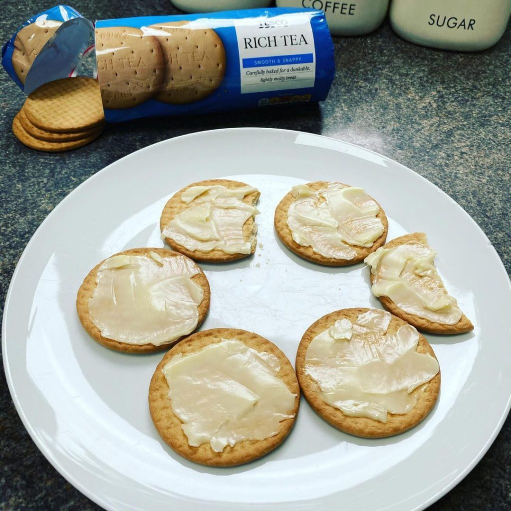 First up on our list of Irish foods the world might find disgusting is rich tea biscuits with butter.