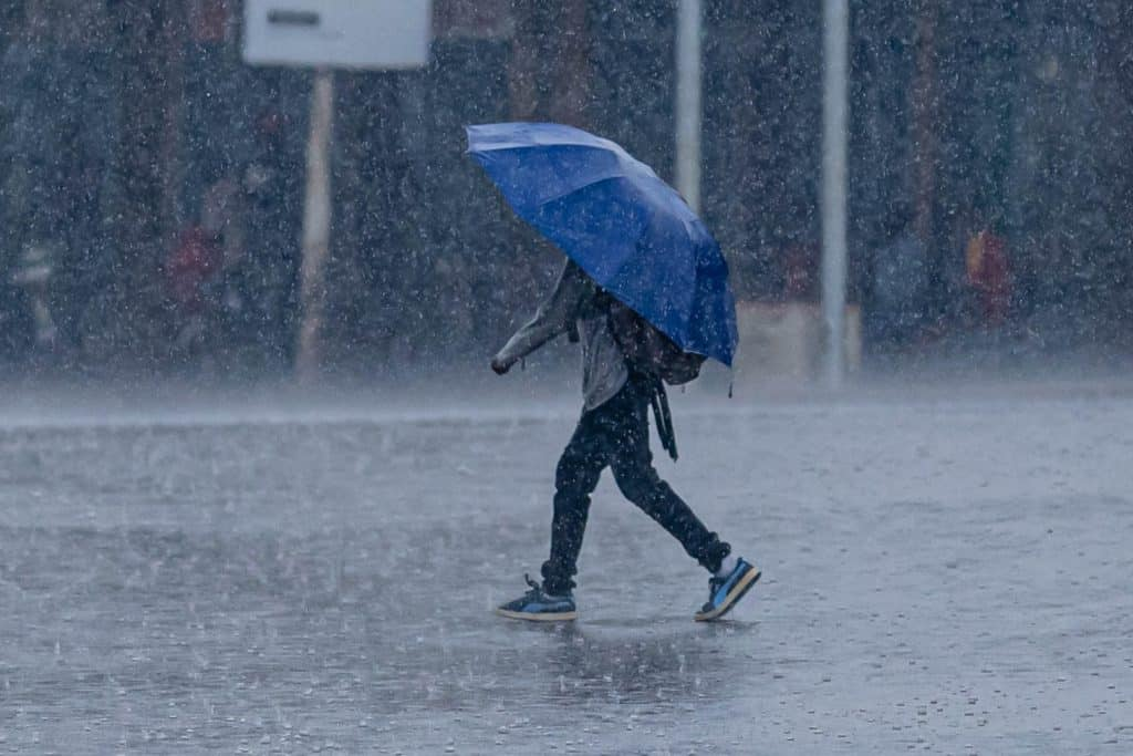Met Eireann forecast snow and thunderstorm conditions into next week.