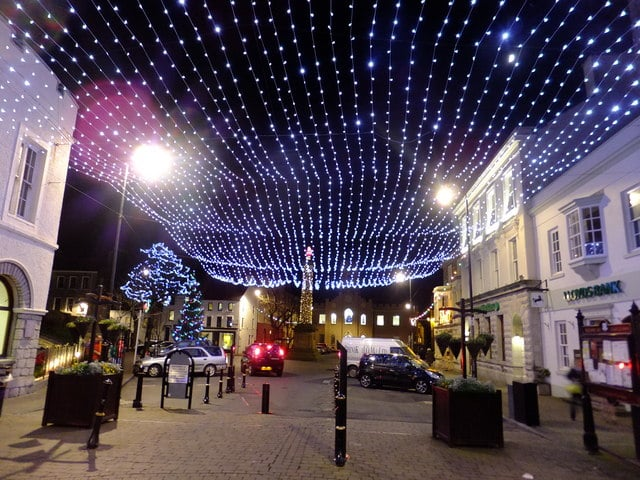 Towns across Ireland to leave Christmas lights on until end of January.